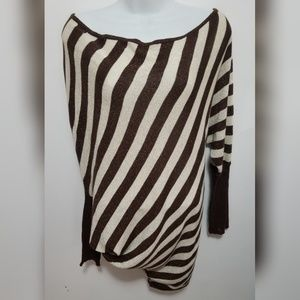 Derek Heart striped asymmetrical top